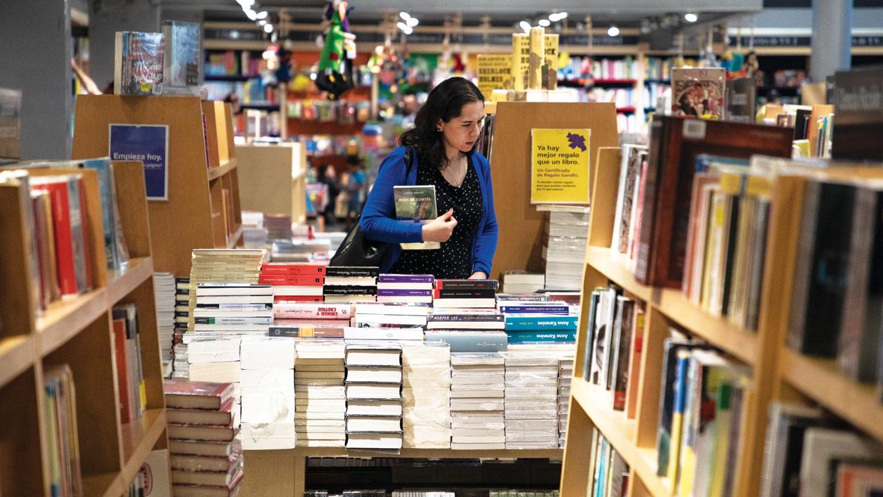 Industria editorial espera que autoridades permitan ya reabrir las librerías