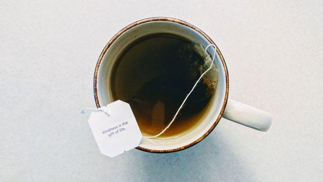 Alertan que los saquitos de té pueden contener partículas de plástico