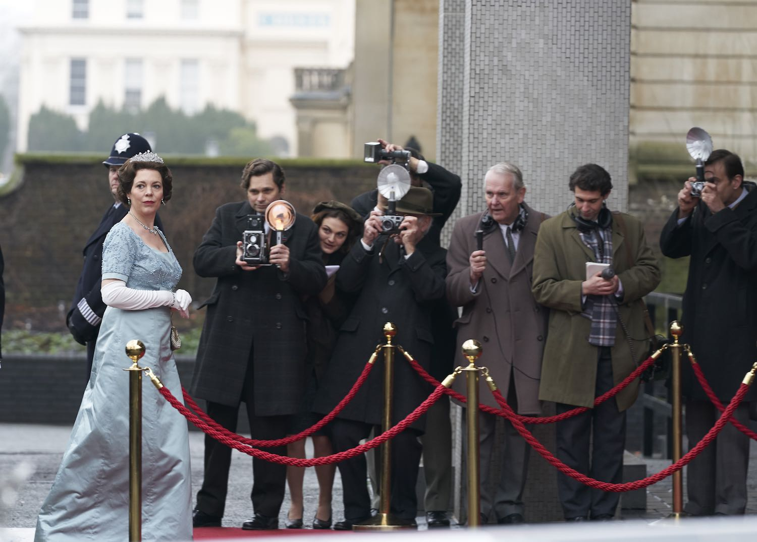 The Crown: Olivia Colman muestra el deber de una reina en trailer final
