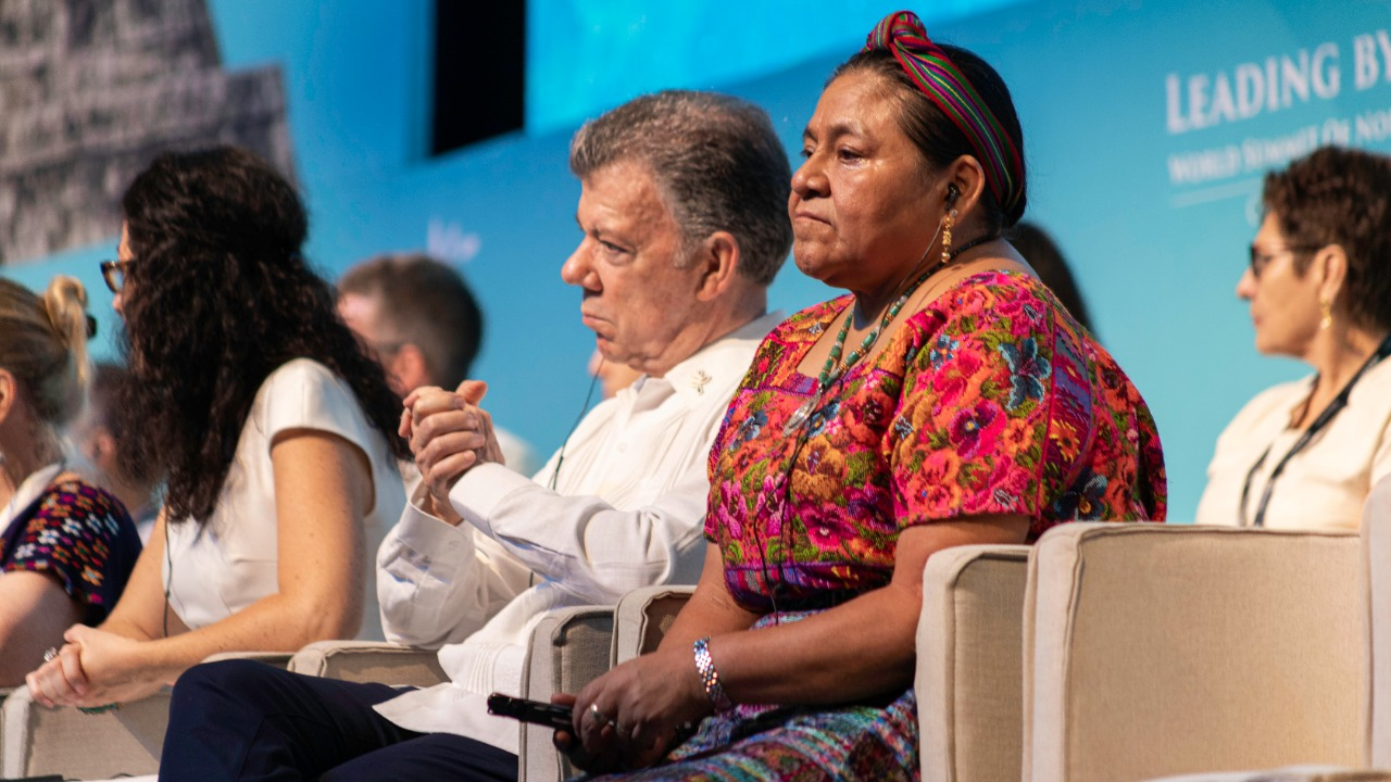 Rigoberta Menchú da visto bueno a plan regional de AMLO