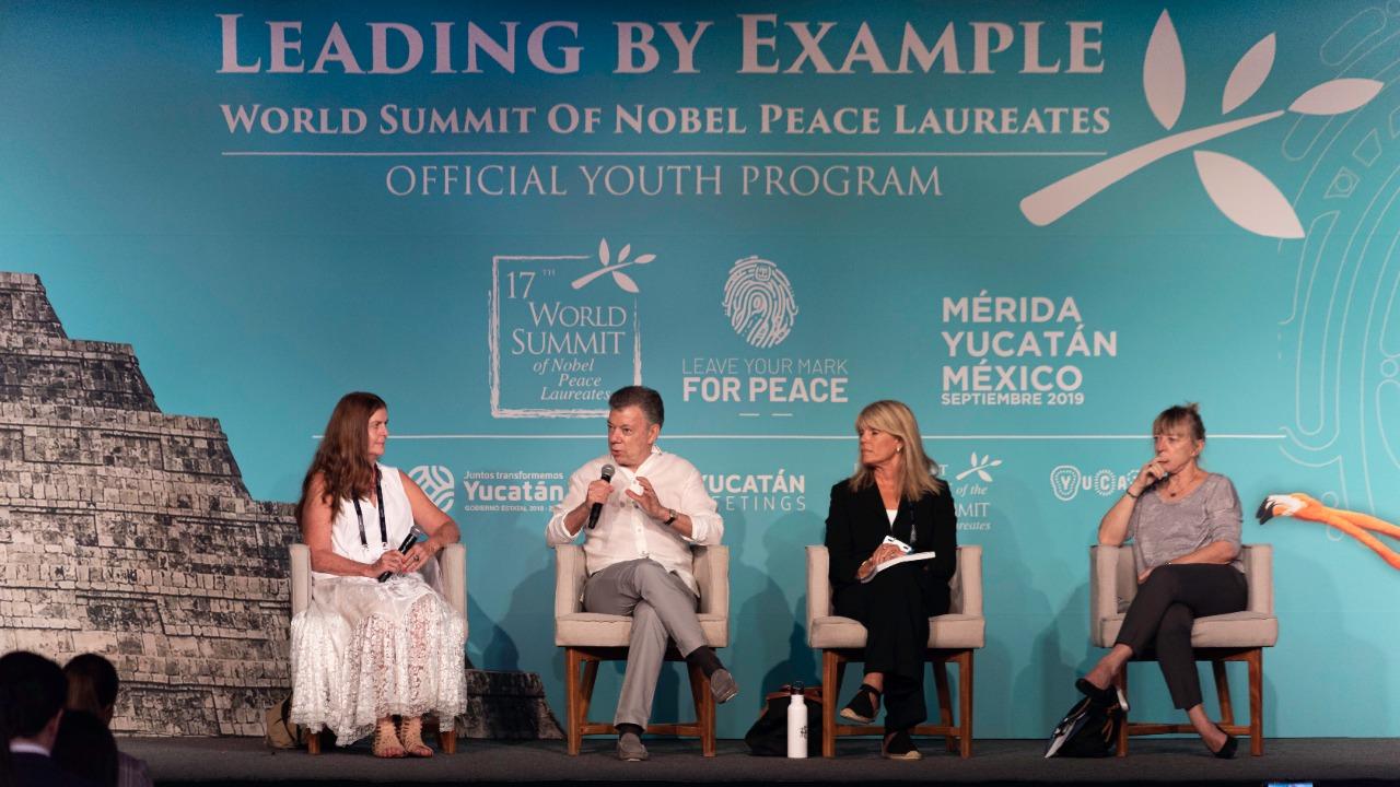 Protestas sí abonan a lucha vs. cambio climático, coinciden premios Nobel