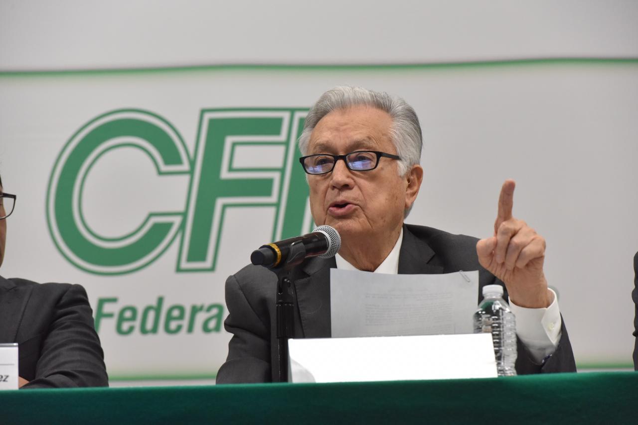 CFE no invertirá en plantas de energía renovable durante el sexenio de AMLO