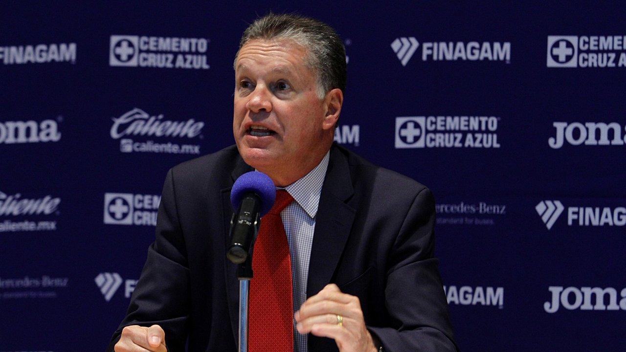Cruz Azul: impone dirigencia al DT y Ricardo Peláez renuncia como director deportivo