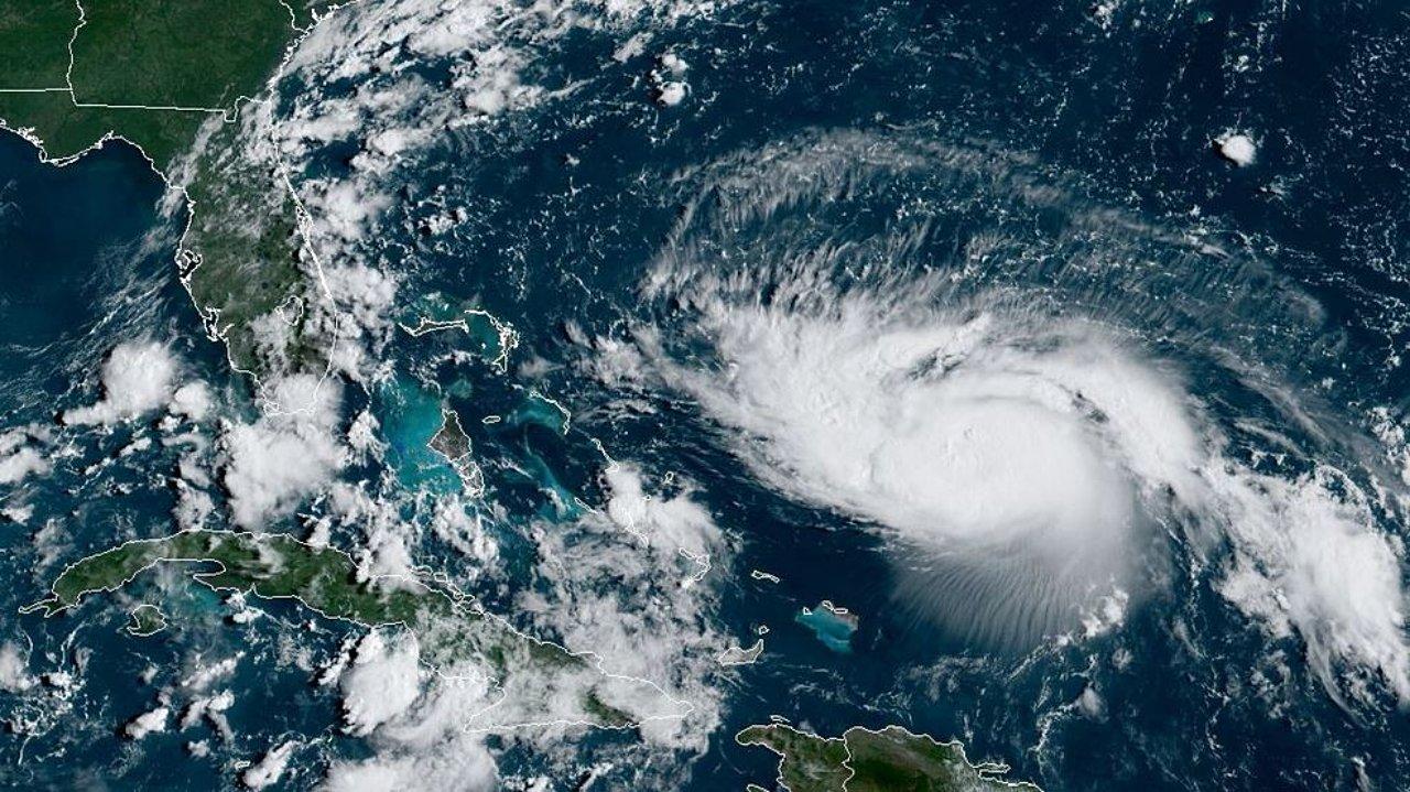Huracán Dorian alcanza categoría 5 en su paso por Bahamas
