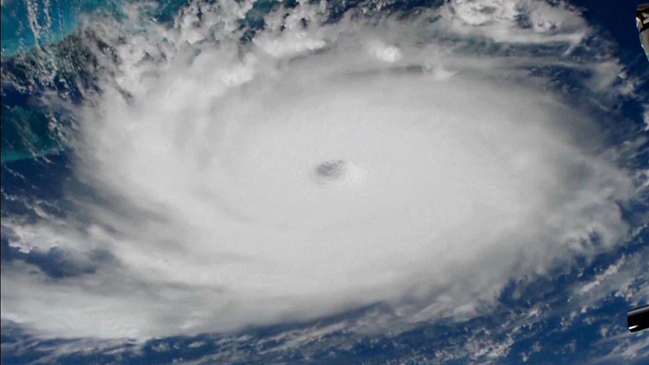 Tormenta tropical Humberto golpea a Bahamas; podría convertirse en huracán