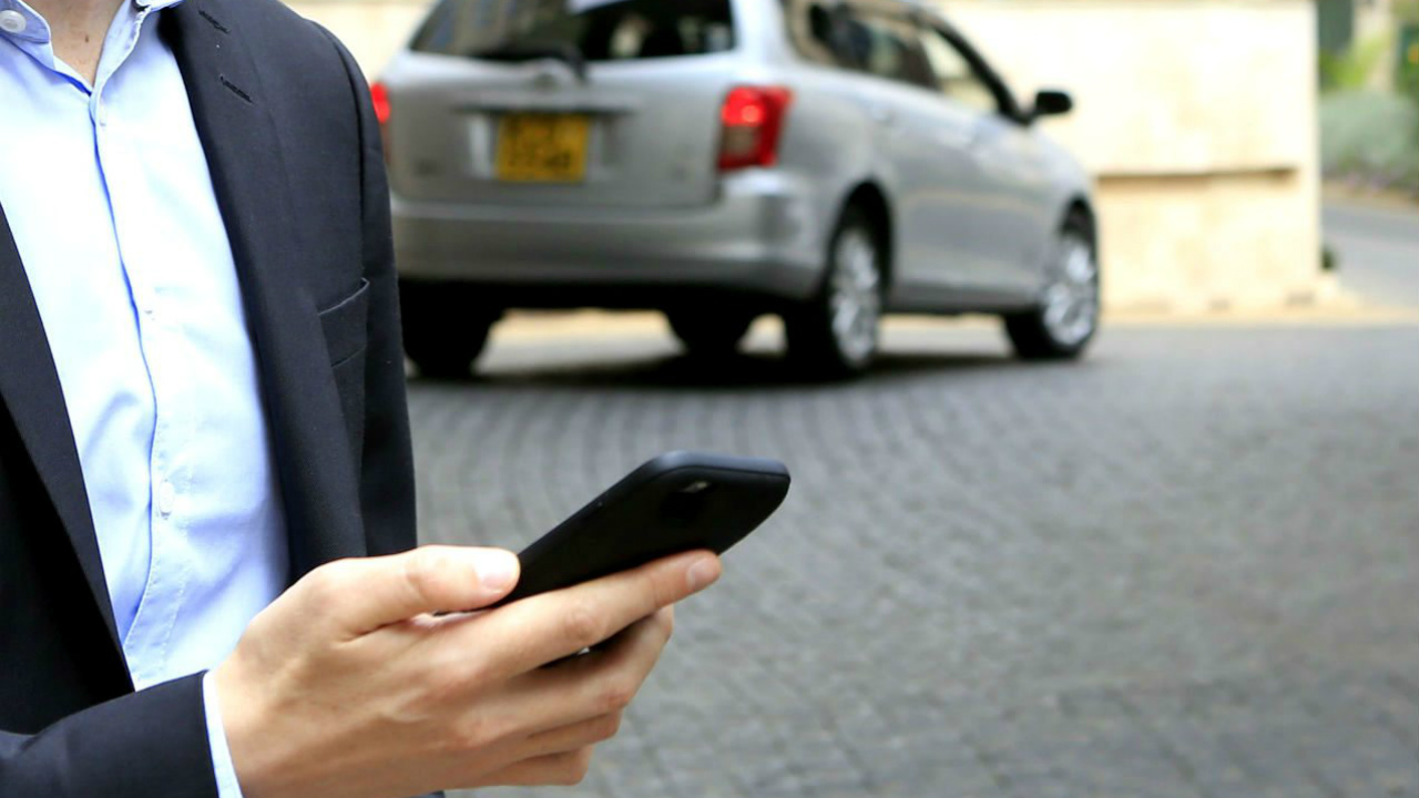 ¿Efectivo, contratar seguro de auto por internet?