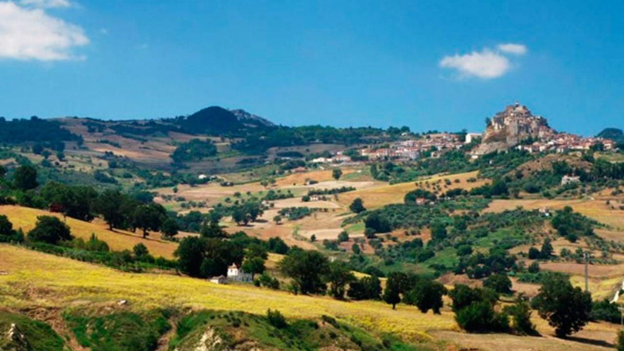 Esta región de Italia te paga casi 15,000 pesos al mes por vivir ahí
