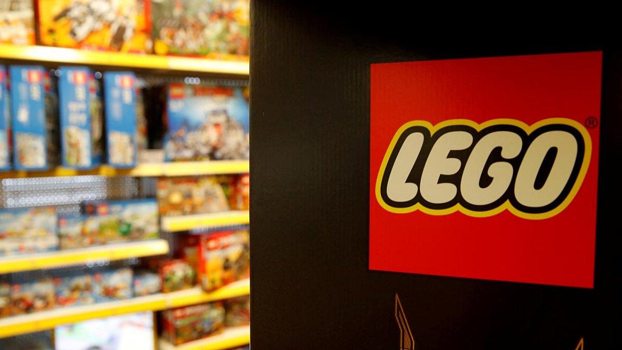 Lego frena venta de juguetes sobre policías por protestas en EU