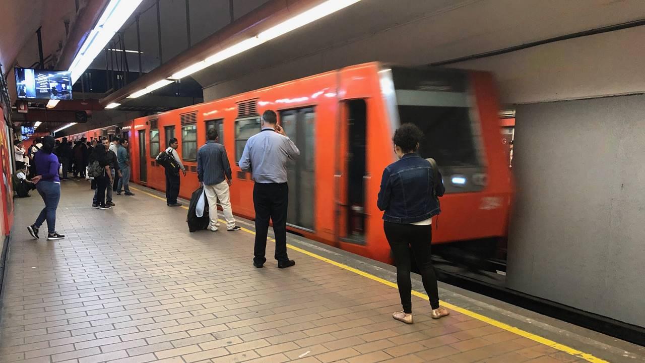 Metro CDMX cancela servicio de bebederos por coronavirus