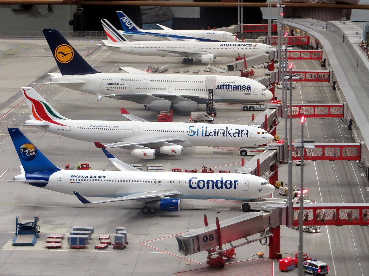 Condor, filial alemana de Thomas Cook, seguirá volando con un préstamo estatal