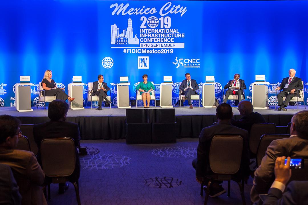 Para impulsar la infraestructura es esencial combatir la corrupción, aseguran expertos