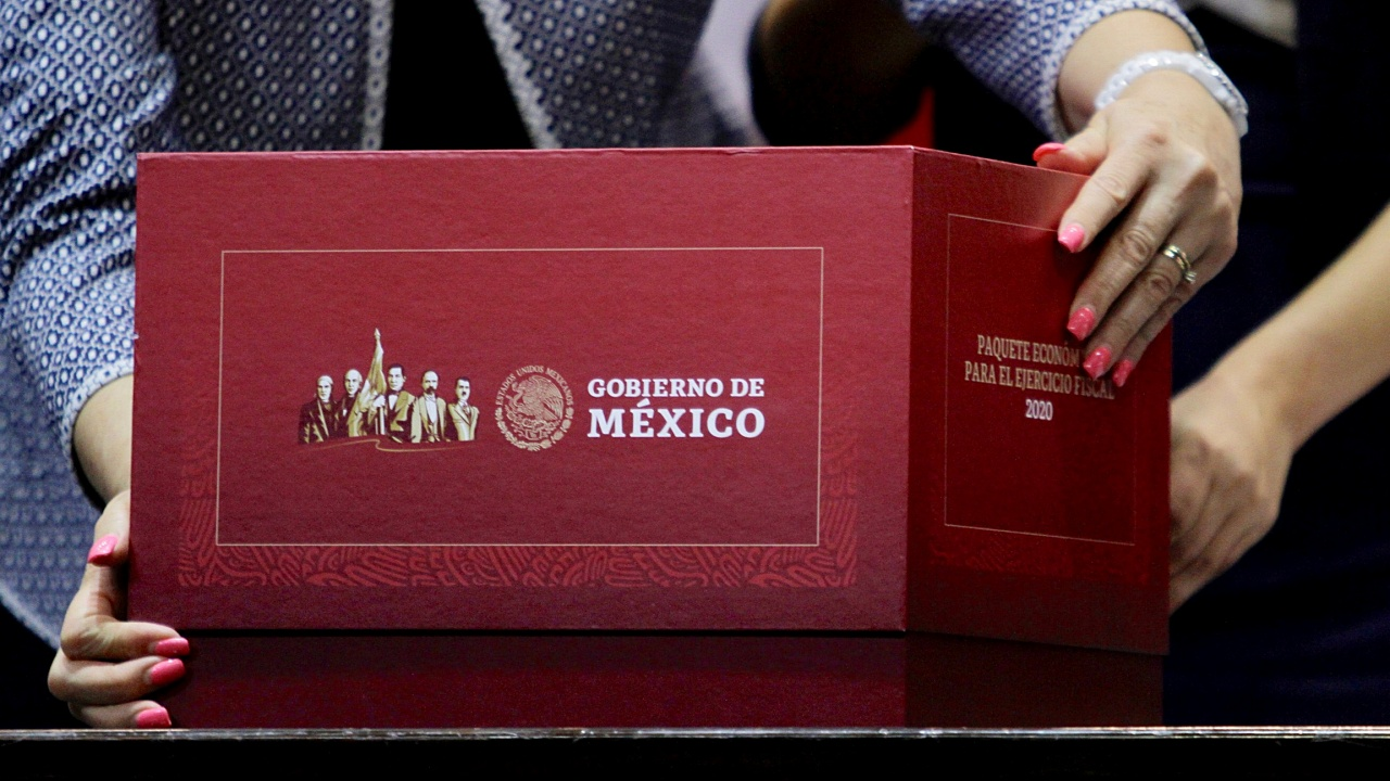 El Paquete Económico 2020 es recaudatorio y basado en austeridad, expertos