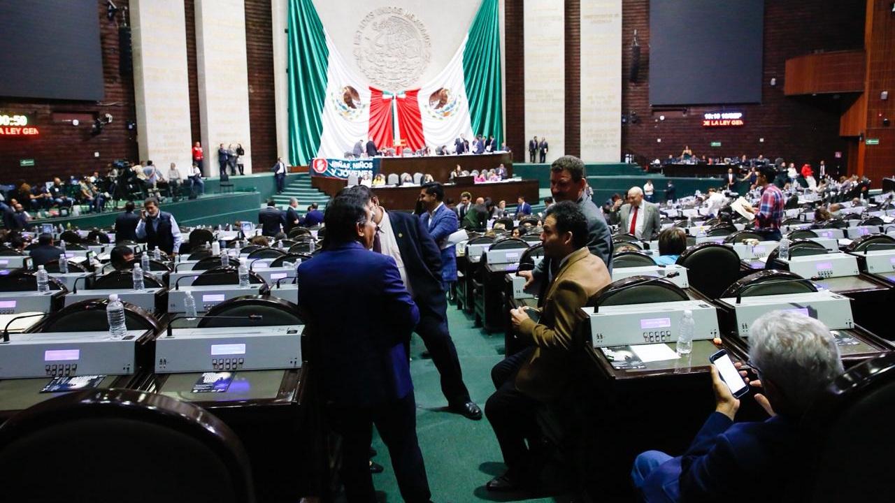 Diputados consuman la contrarreforma educativa; era necesario, afirma AMLO