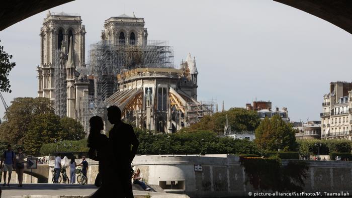 El incendio de Notre Dame podría combatir la escasez de artesanos en Francia