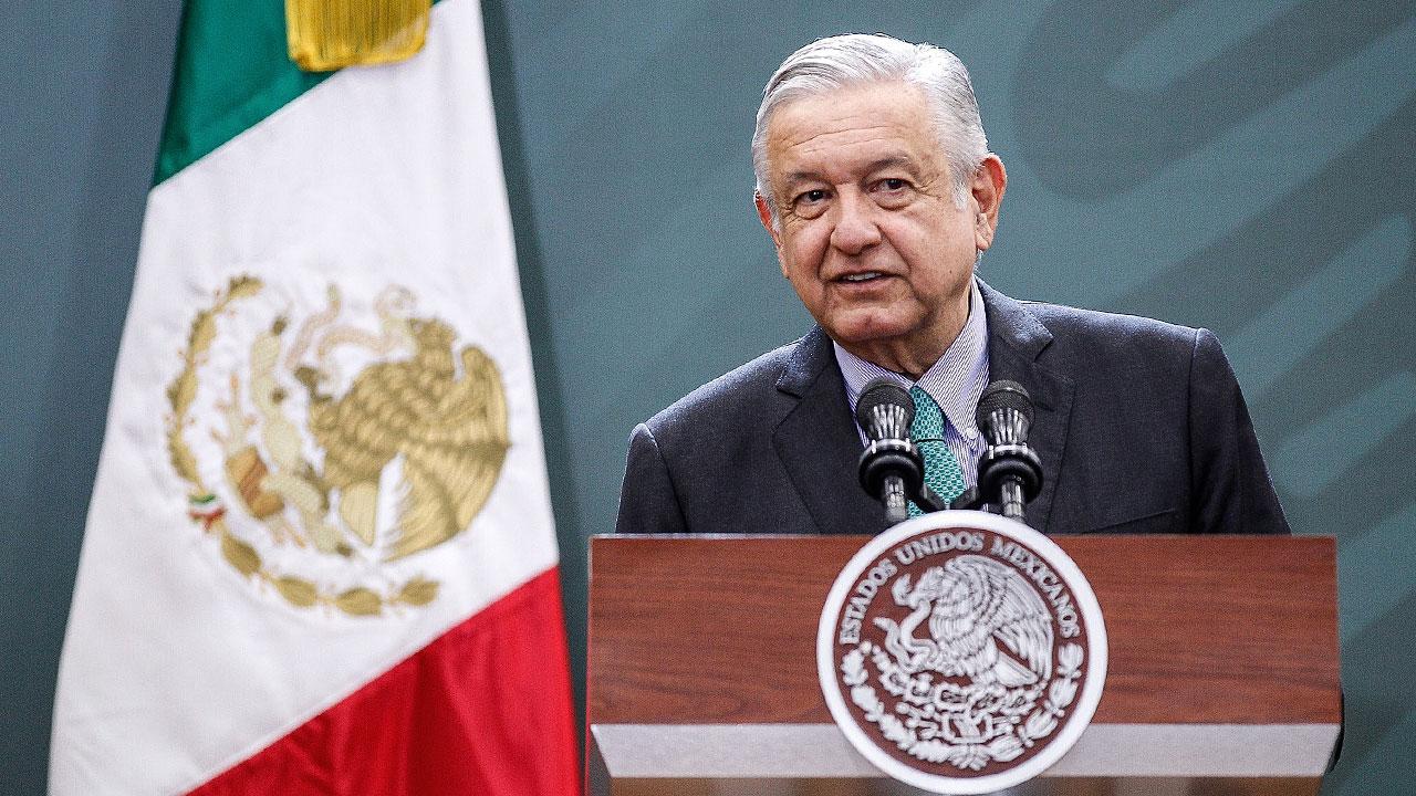 Renuncia de Medina Mora habría sido para atender denuncias: AMLO
