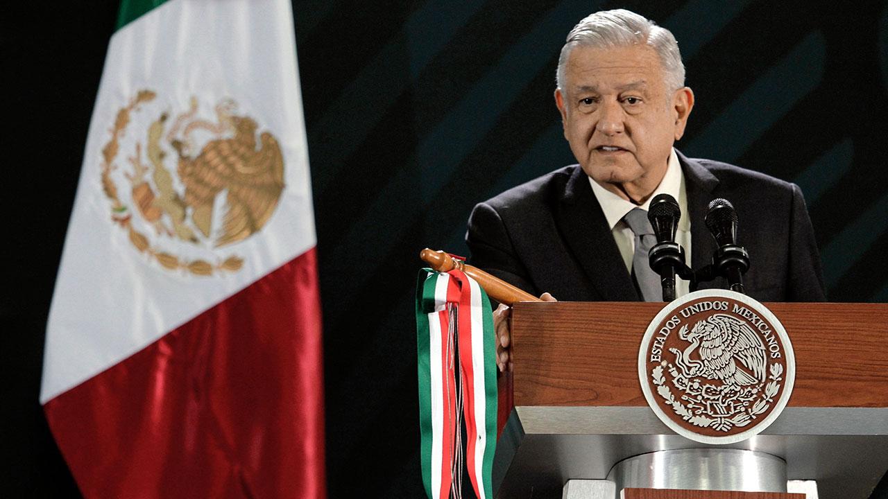 """AMLO niega perdón fiscal a narco; culpa a Claudio X. González de usar información """"con mala fe"""""""