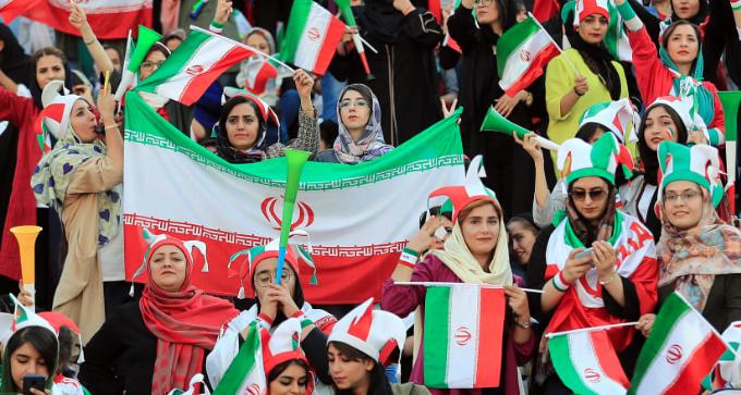 Mujeres en Irán ya no tienen prohibido ir al estadio de futbol