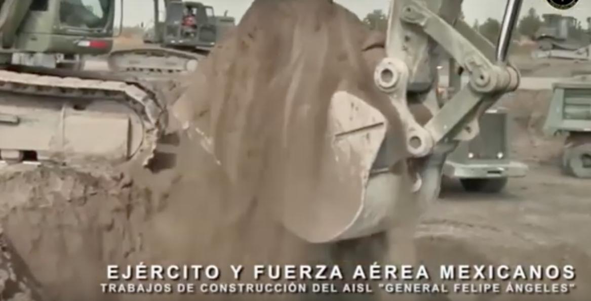 Con este video, AMLO presume obras en Santa Lucia: 'es suelo firme, no fango', dice