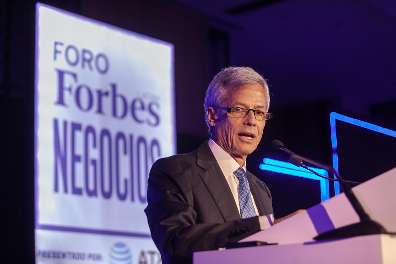 Foro Forbes | Enrique Zambrano recibe el reconocimiento a la Excelencia Empresarial