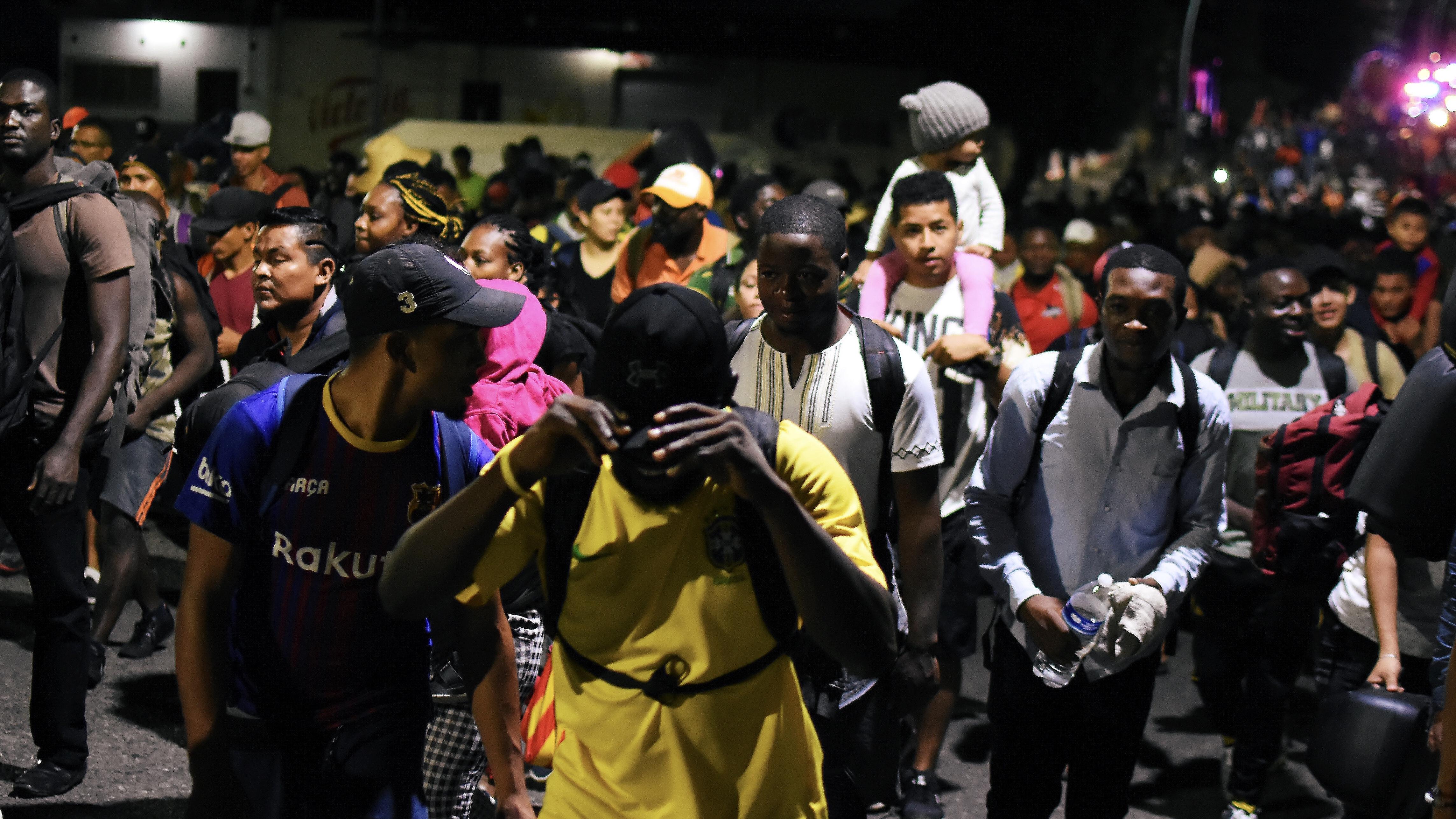 Guardia Nacional desmantela caravana y detiene a migrantes en Chiapas