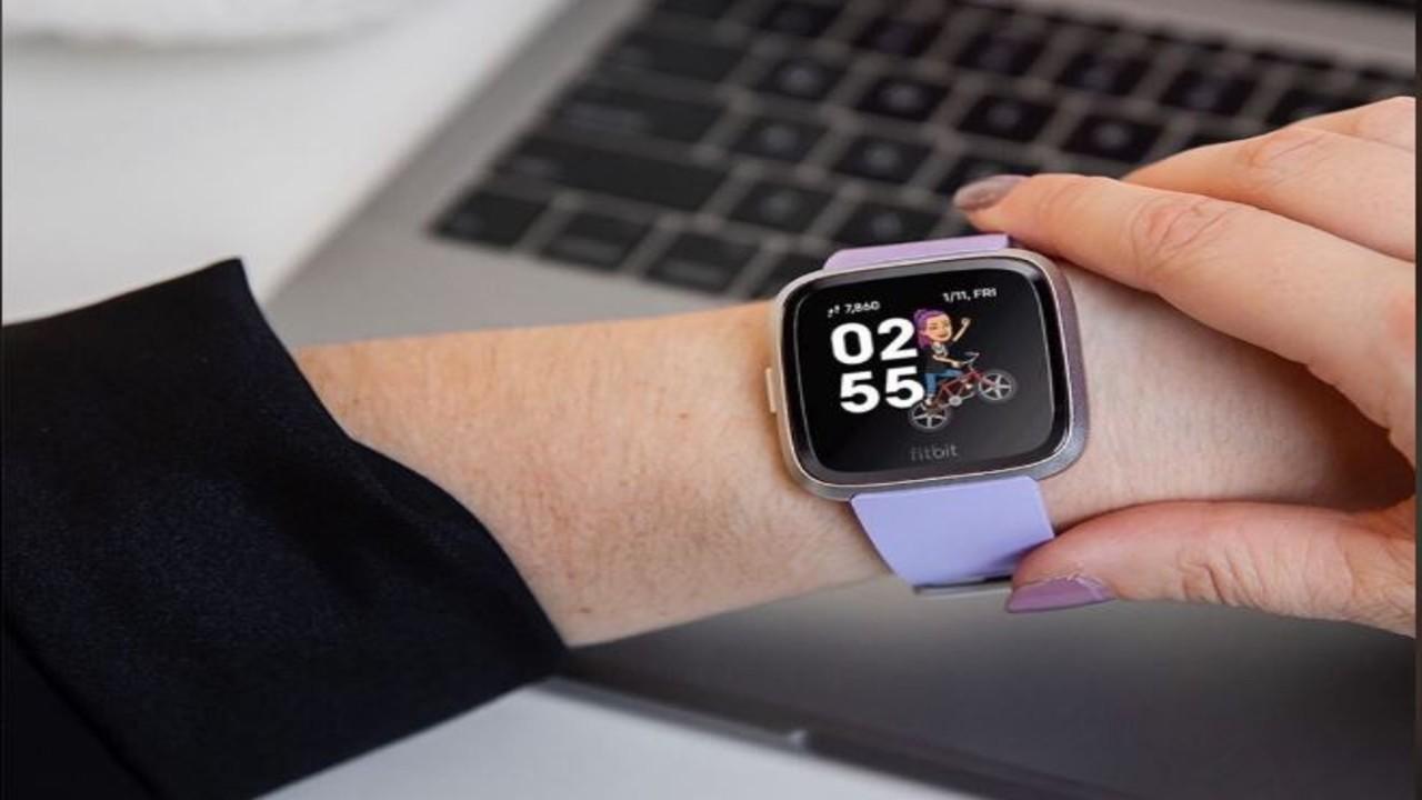 Alphabet lanza oferta para comprar Fitbit: fuentes