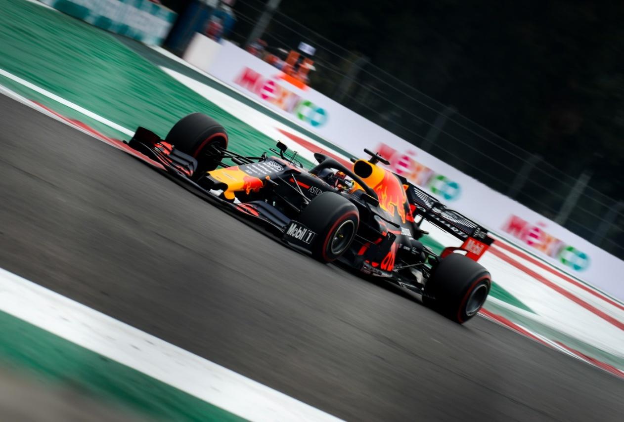 "Verstappen logra la ""pole position"" en GP de México"
