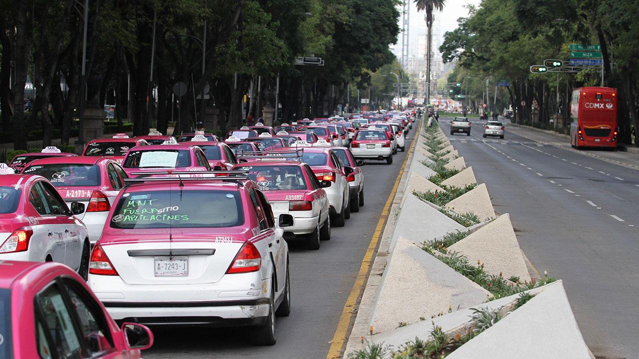 Taxistas amagan con tomar las calles del país en enero