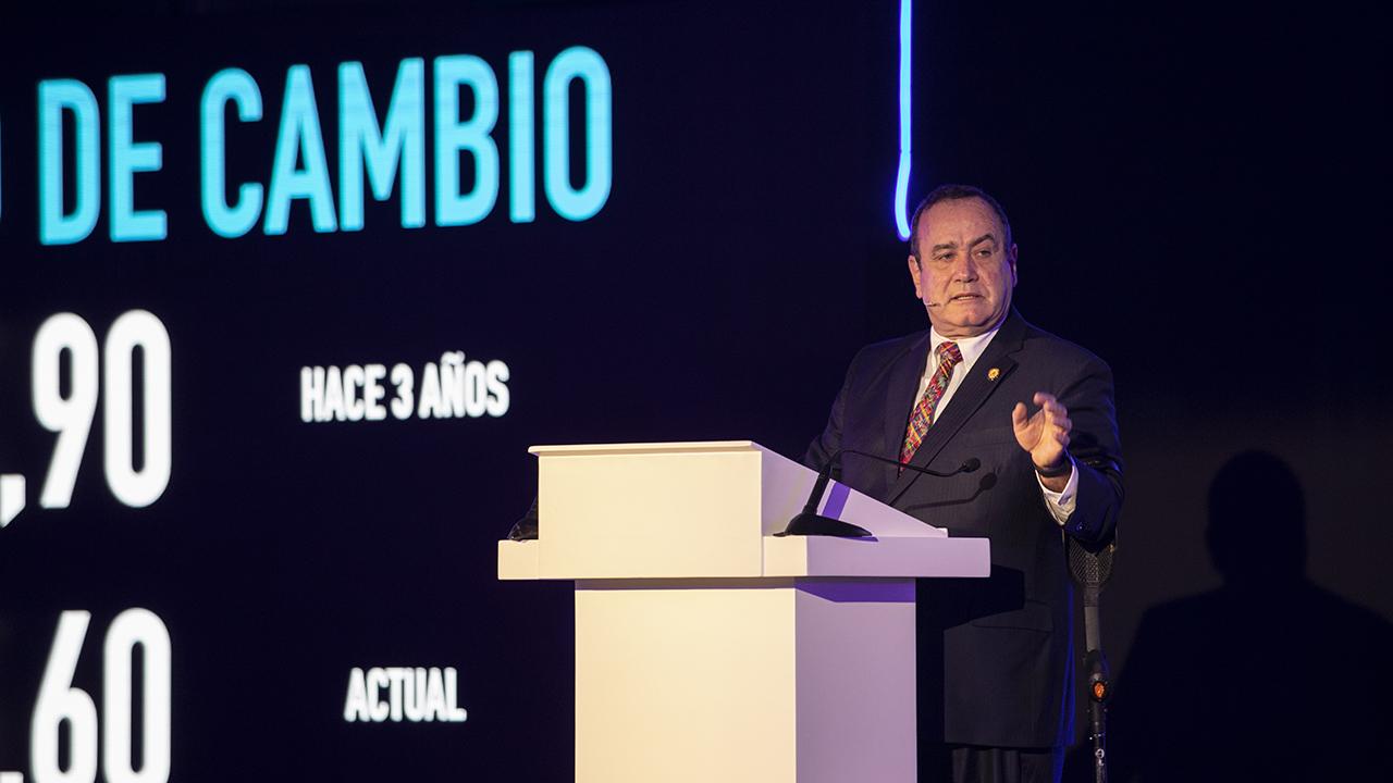 México y Guatemala firmarán acuerdo que reducirá precio de boletos de avión
