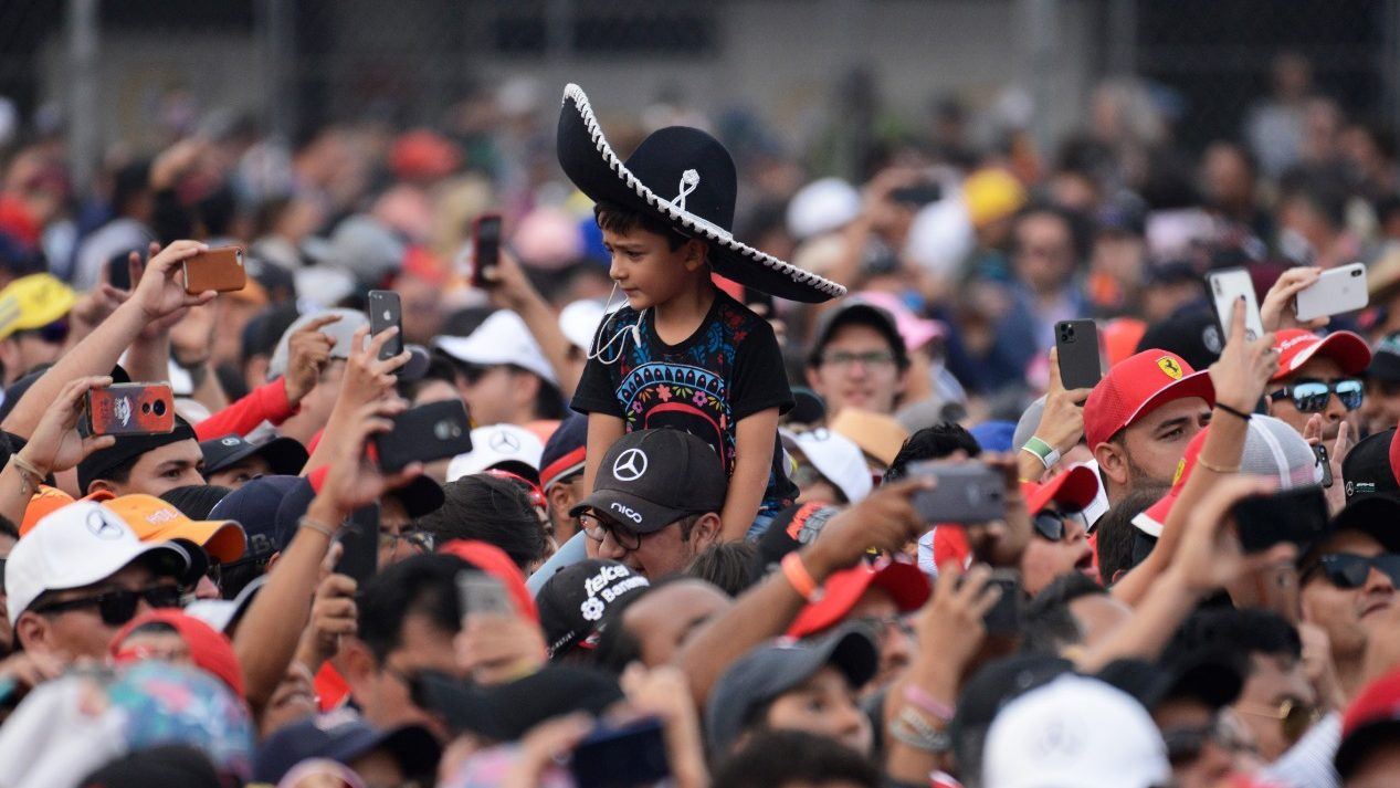 El Gran Premio de México rompe récord de asistencia
