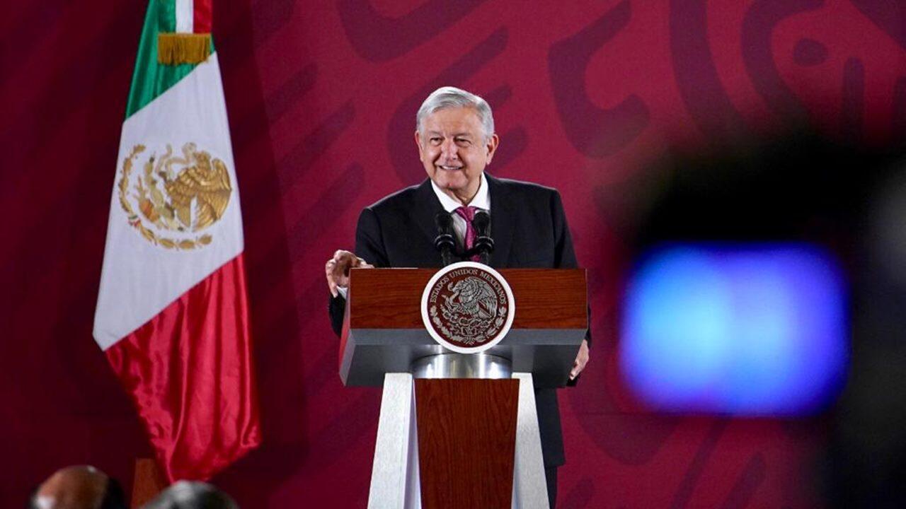Televisa ya no es lo mismo que antes, afirma AMLO tras recordar 'fraude' de 2006