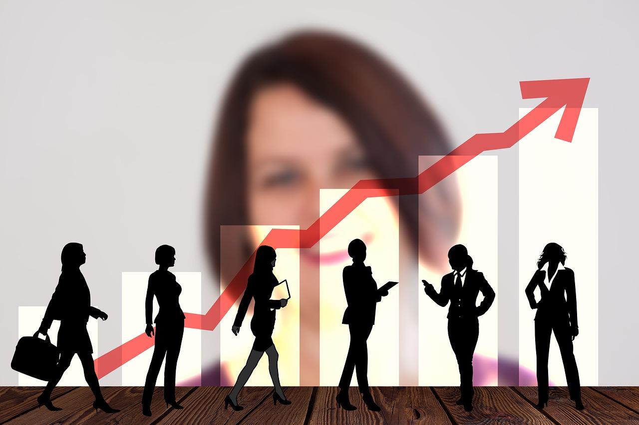Empresas con directoras financieras aumentan sus ganancias: S&P