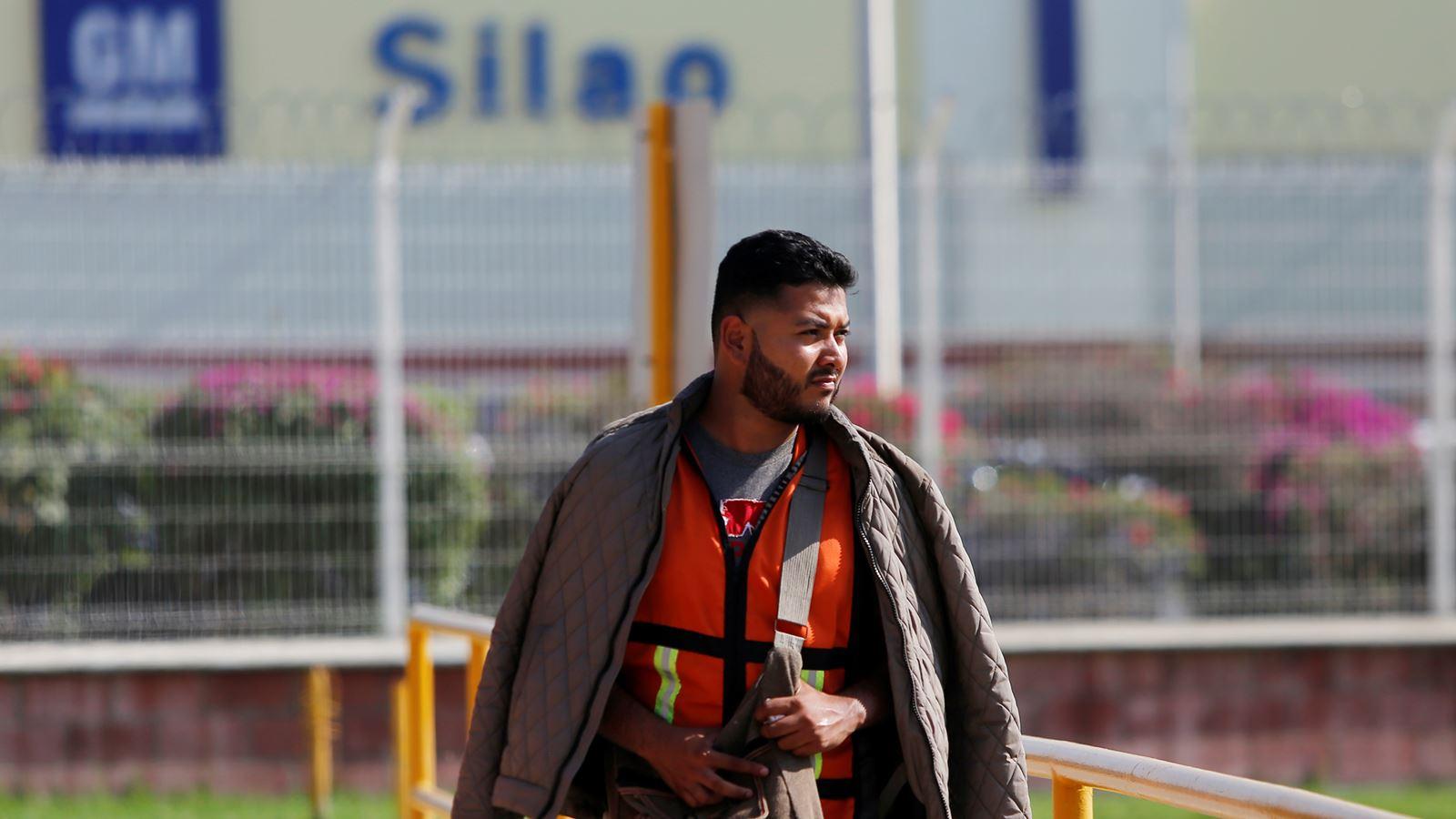 General Motors prescinde de otros 415 trabajadores en México por huelga en EU