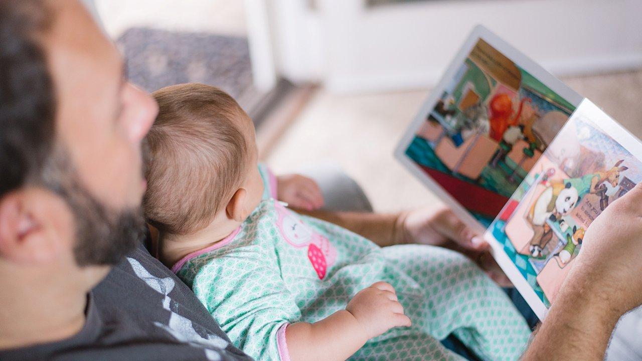 Reconocen derechos de padres solteros en la CDMX; recibirán programas sociales