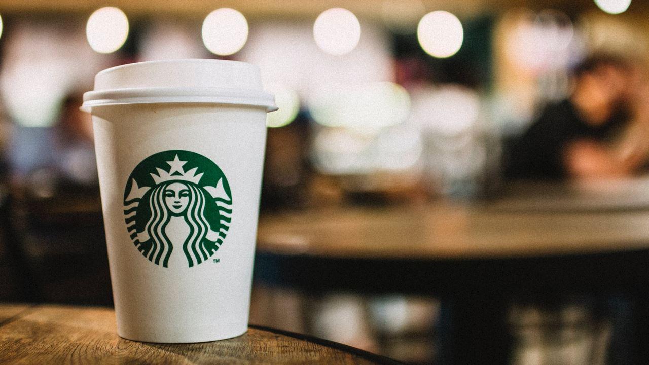 Alsea quiere duplicar su presencia en Europa y Starbucks será su principal carta