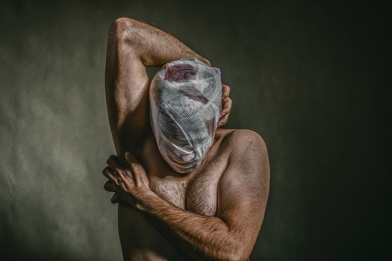 Jóvenes y adultos mayores, los más vulnerables al suicidio en pandemia, alertan