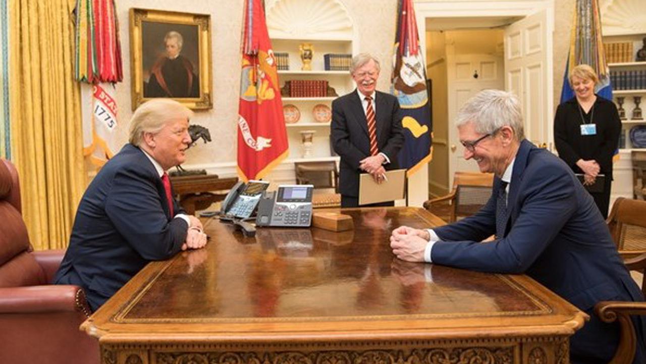 Trump quiere que Apple le devuelva el botón de inicio a los iPhone