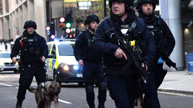 agresión-Londres-fiesta