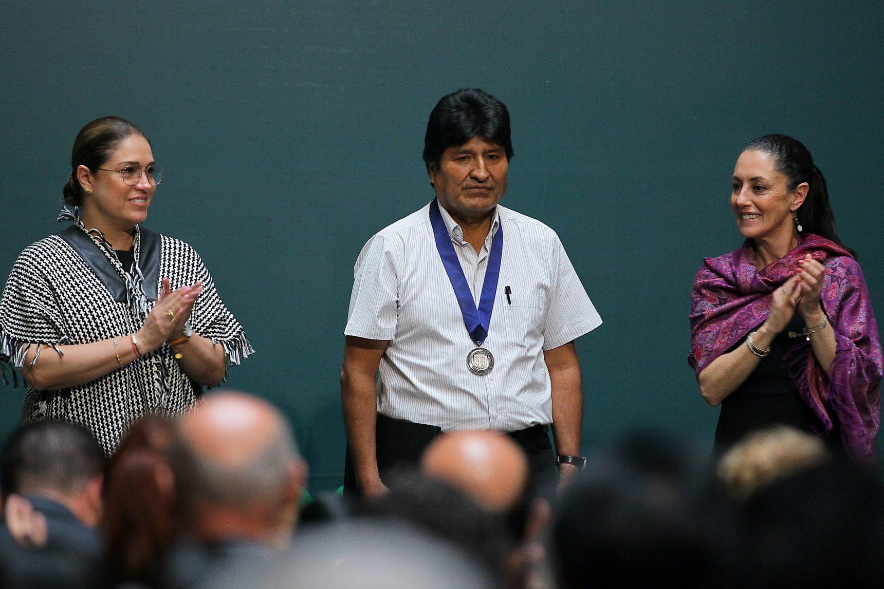 Evo Morales es nombrado huésped distinguido de la CDMX