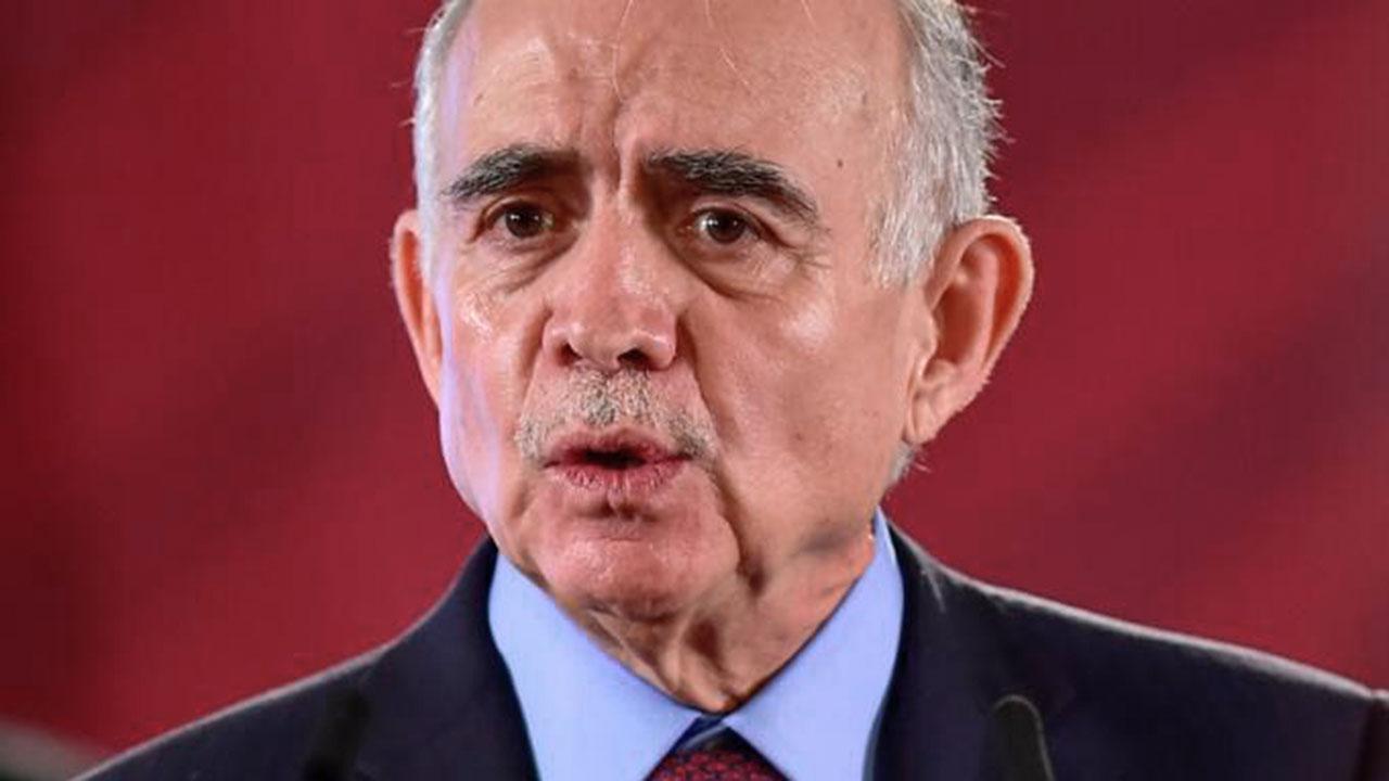 Alfonso Romo deja la Oficina de Presidencia; seguirá como enlace de AMLO con IP