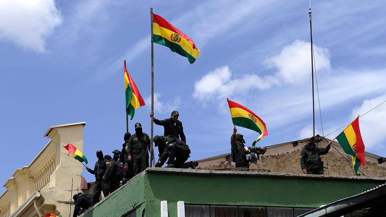 Gobierno de Bolivia expulsa a diplomáticos de Venezuela