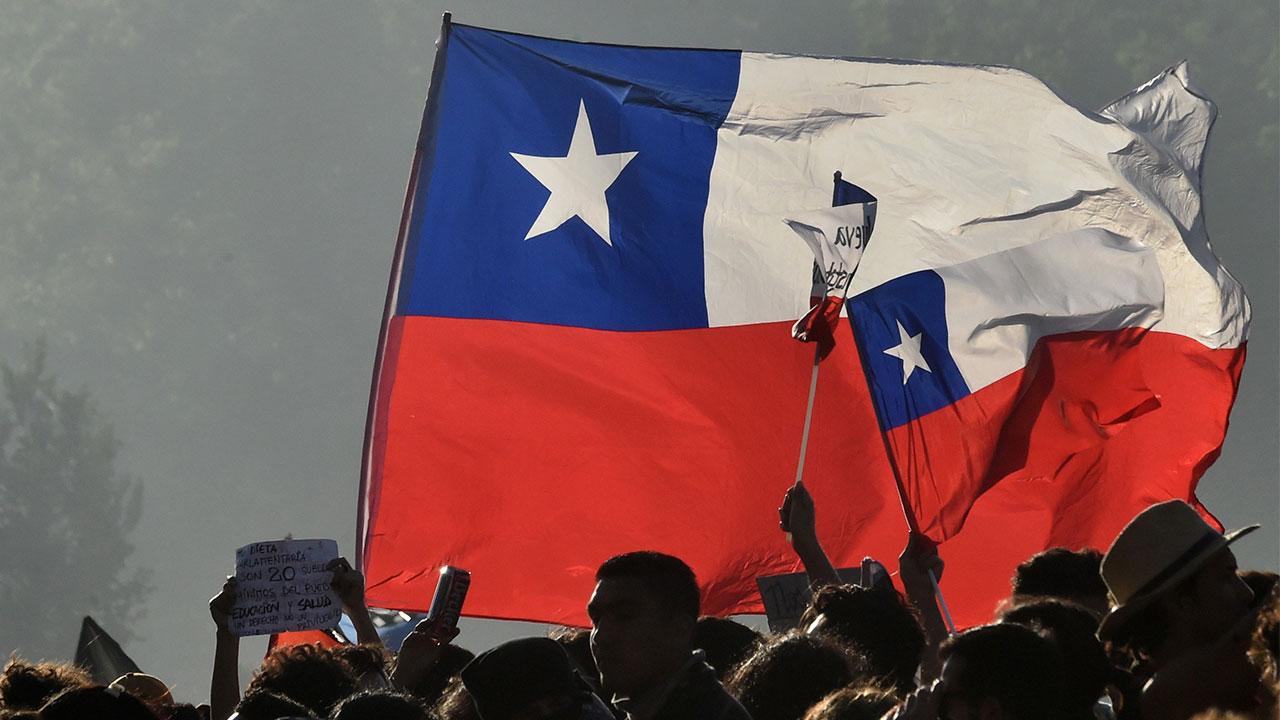 Presidente de Chile admite uso excesivo de la fuerza en protestas