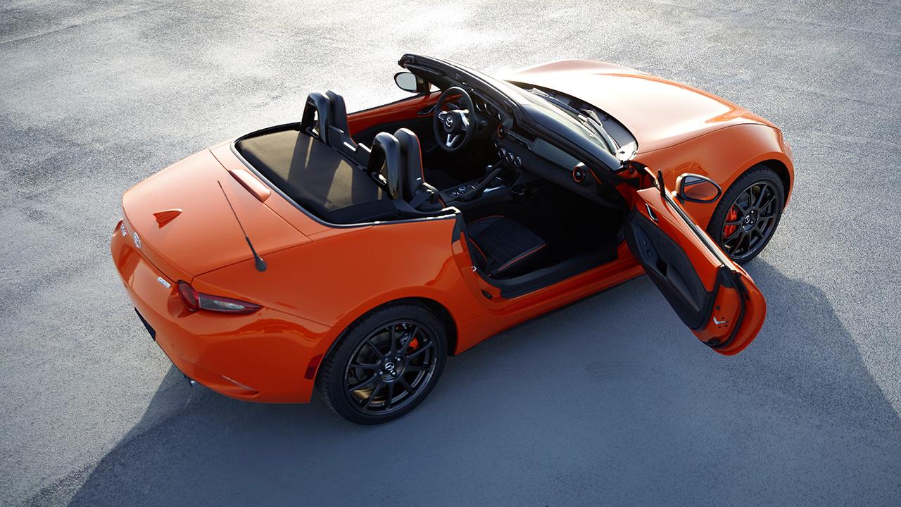 Coloca Mazda a su más icónico roadster (edición limitada) en subasta