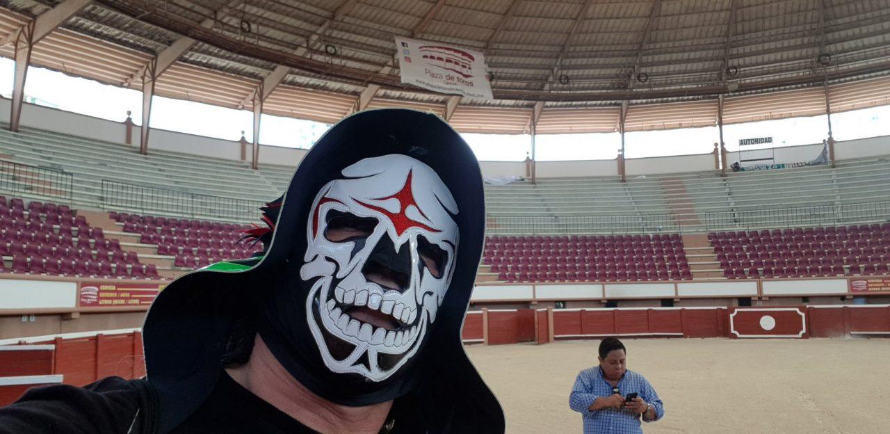 Muere luchador 'La Parka' tras caída en octubre