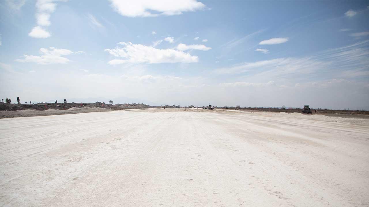 Sedena muestra a Forbes los avances en aeropuerto en Santa Lucía
