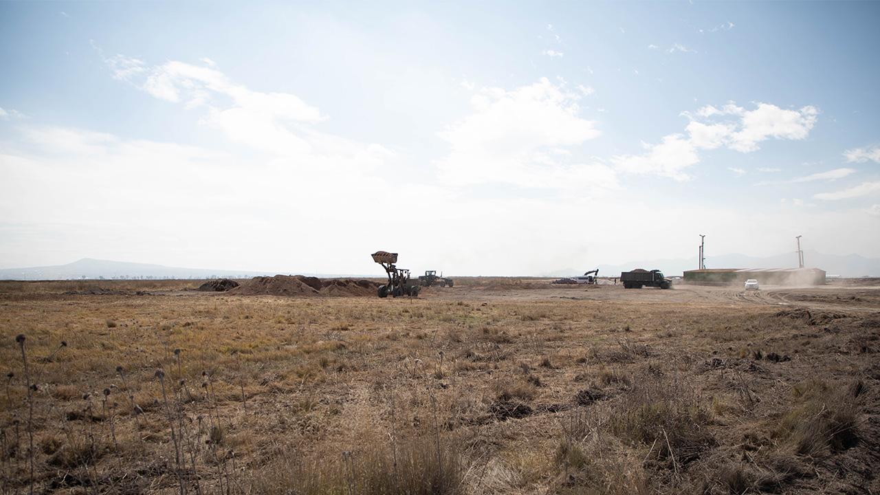 Encuentran restos arqueológicos en predio donde se construye aeropuerto de Santa Lucía