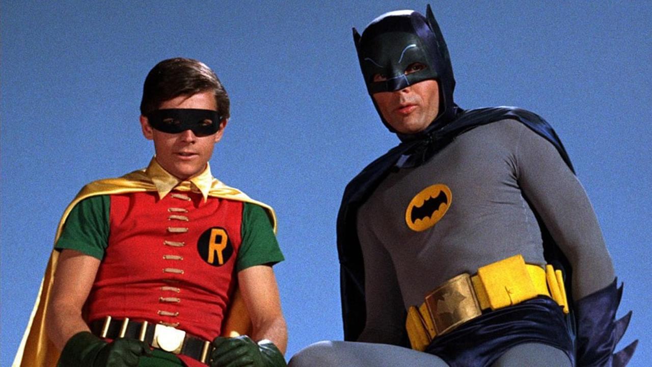¡Santa subasta! Venden disfraces originales de Batman y Robin de la serie de los 60