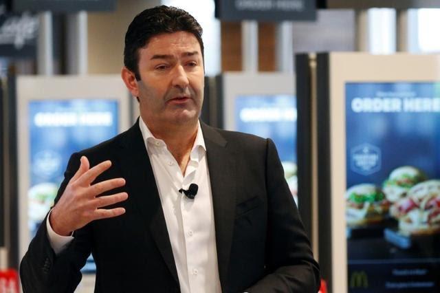 McDonald's despide a su CEO por relación con empleada