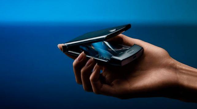 Motorola regresa el icónico diseño de Razr de hace 15 años
