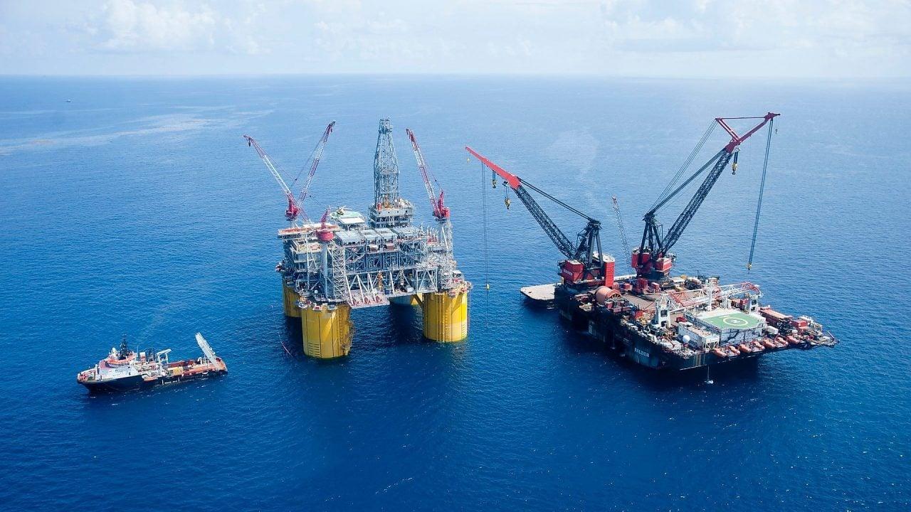 Shell detiene operaciones en Golfo de México por huracán