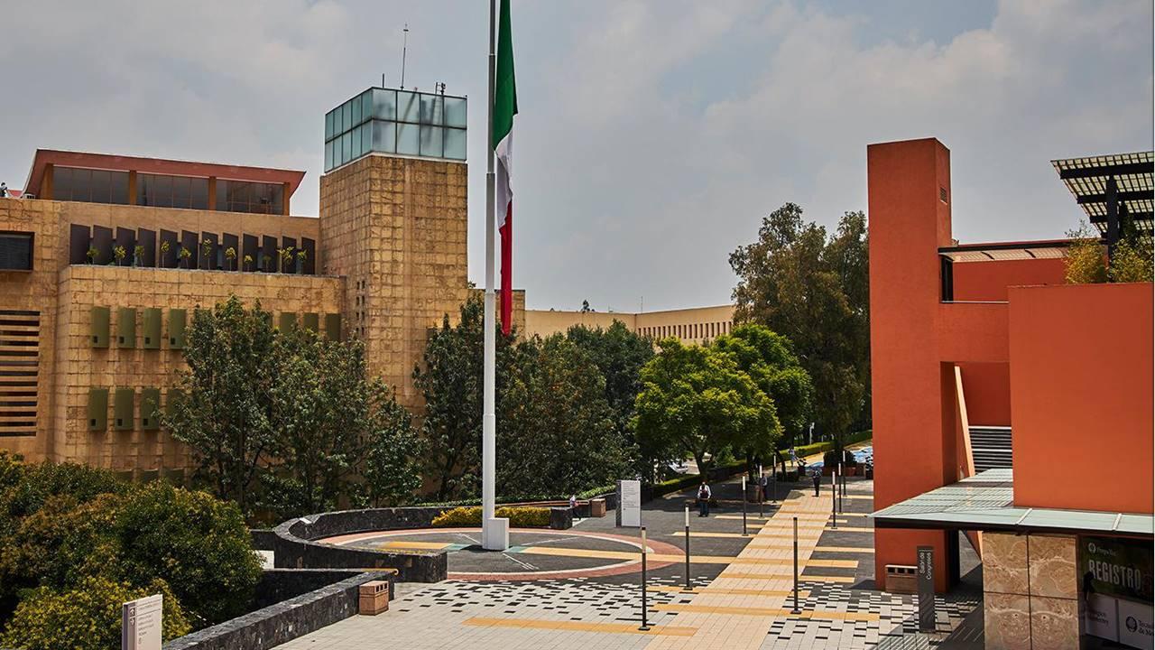 Asaltantes hieren a hombre en el Tec de Monterrey campus Santa Fe